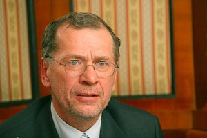 Anlegerschützer Dr. Wilhelm Rasinger hält Friedrich Scheck für Abzocker